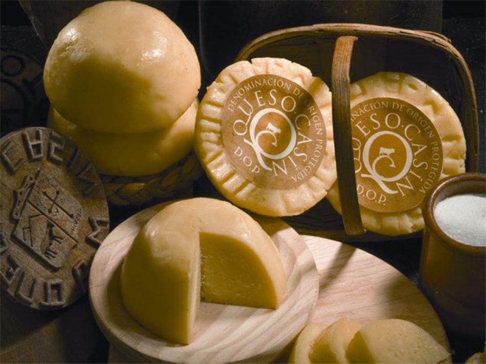 quesos en cesta